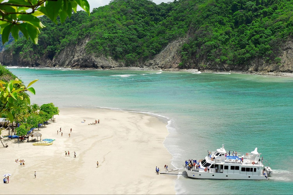 tortuga-island-tour-learning-spanish-in-costa-rica-2